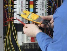 electricistas en Tomares urgentes